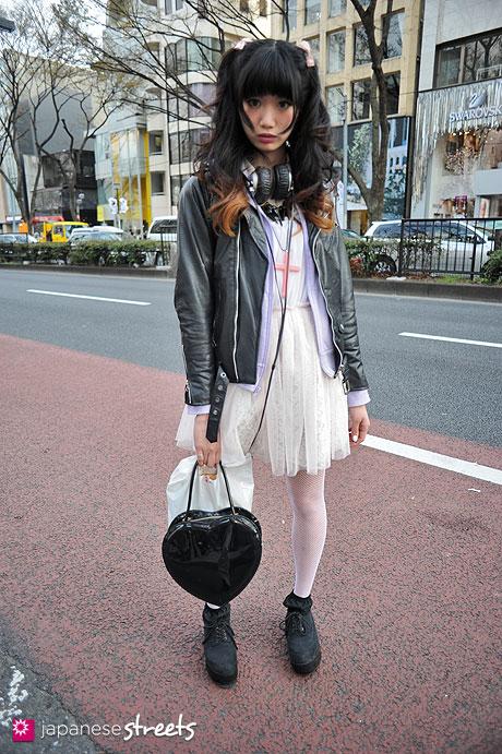 120407-9605: Japanese street fashion in Harajuku, Tokyo