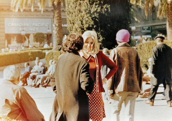 hersh Lynn Hershman Leeson, Roberta and Irwin Meet for the First Time in Union Square Park, 1975